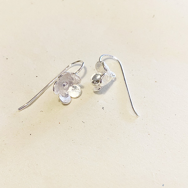 DT71 SILVER FLOWER DROP EARRINGS