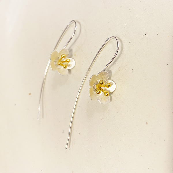 KE3 SG SILVER AND GOLD LILY DROP EARRINGS