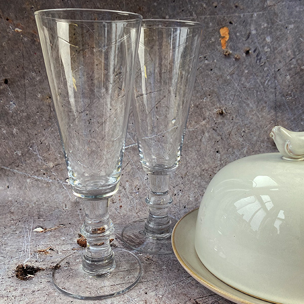 CHAMPAGNE GLASS {was £8.50}