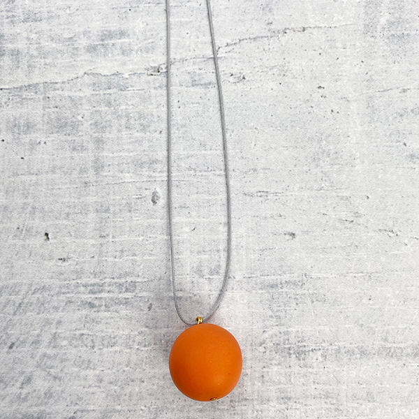 COCOA & GOLD SINGLE BALL NECKLACE ORANGE
