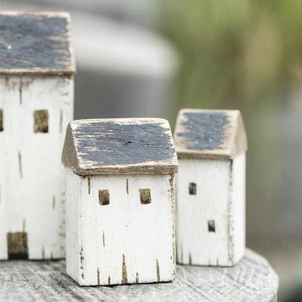 LITTLE WOODEN HOUSES SET OF THREE