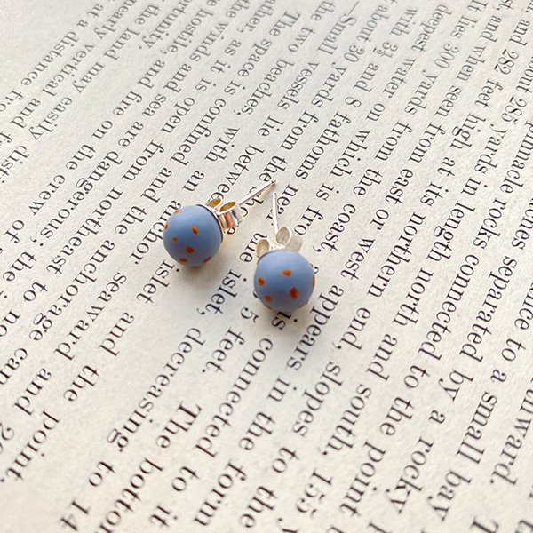 COCOA & GOLD BLUE & GOLD SPECK STUD EARRINGS