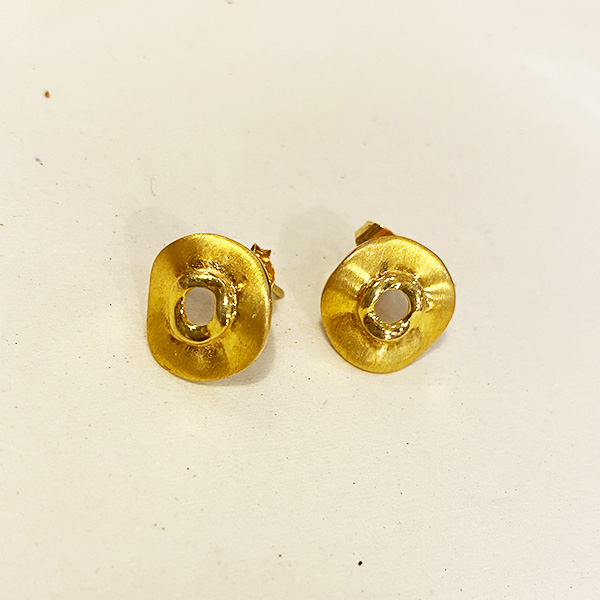 VE9 GM GOLD DISK STUD EARRINGS