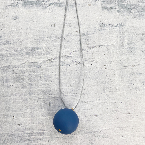 COCOA & GOLD SINGLE BALL NECKLACE BLUE