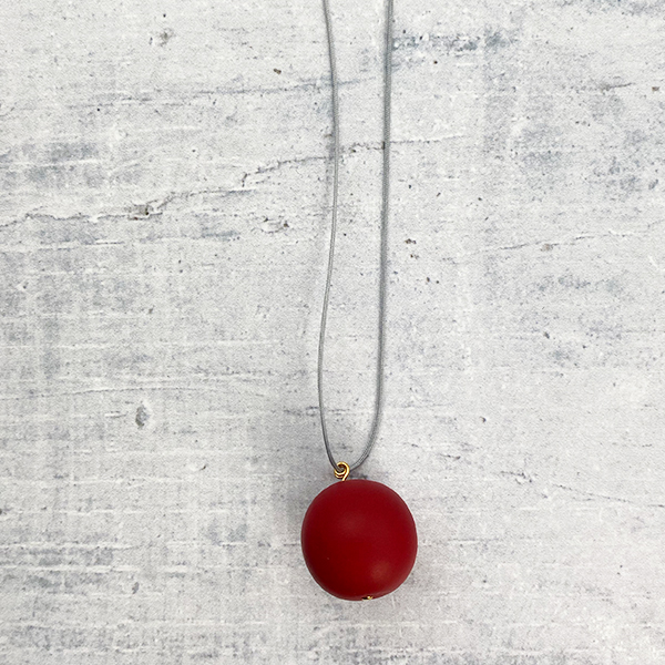 COCOA & GOLD SINGLE BALL NECKLACE RED