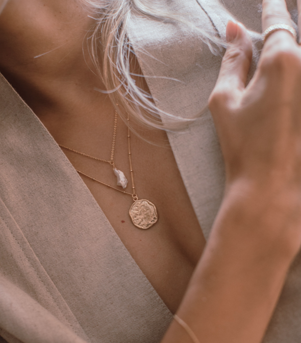 TEXTURED GOLD DISK NECKLACE
