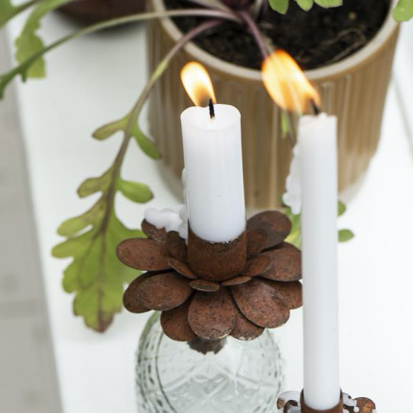 RUSTED METAL FLOWER DINNER CANDLE HOLDER FOR BOTTLE
