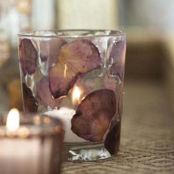 GLASS CANDLE/TEA LIGHT HOLDER WITH ROSE PETALS
