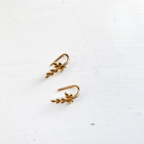SMALL GOLD LEAF DESIGN DROP EARRINGS