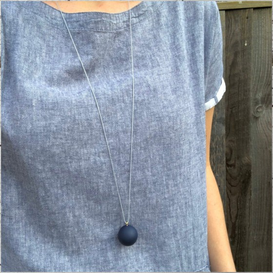 COCOA & GOLD SINGLE BALL NECKLACE PALE GREY