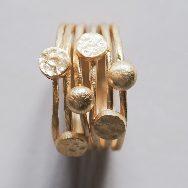 EIMANA GOLD RING CIRCLE DETAILS