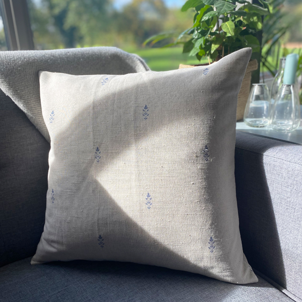 BLUE DETAIL LINEN & COTTON CUSHION WITH INNER