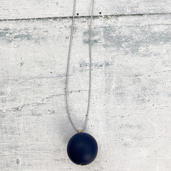 COCOA & GOLD SINGLE BALL NECKLACE NAVY