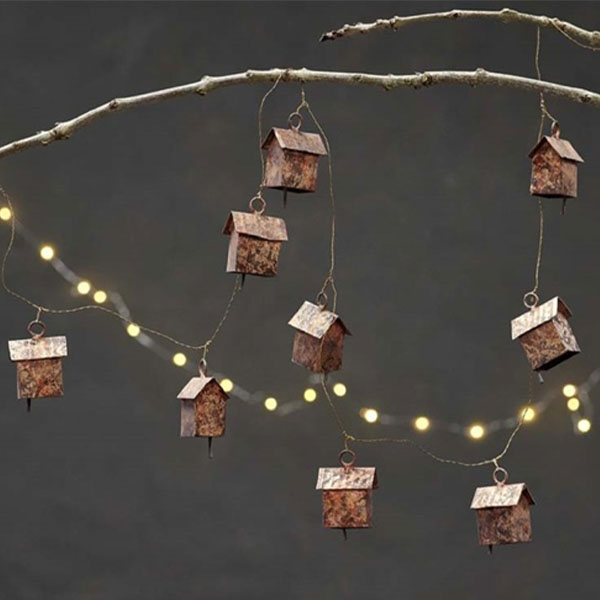 RUSTIC HOUSE BELL CHAIN DECORATION