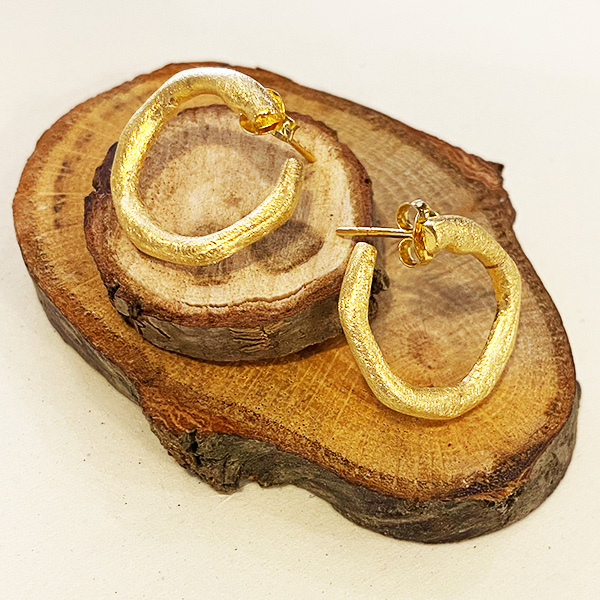 VE61 GM GOLD TEXTURED HOOP AROUND EARRINGS