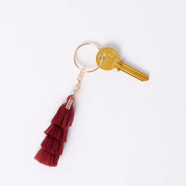 TASSEL KEYRING DEEP RED