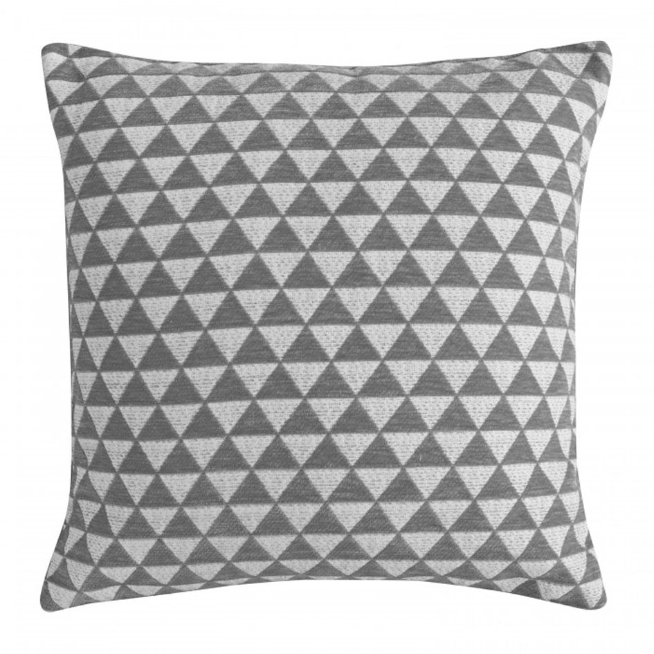 0022 Grey triangles cushion