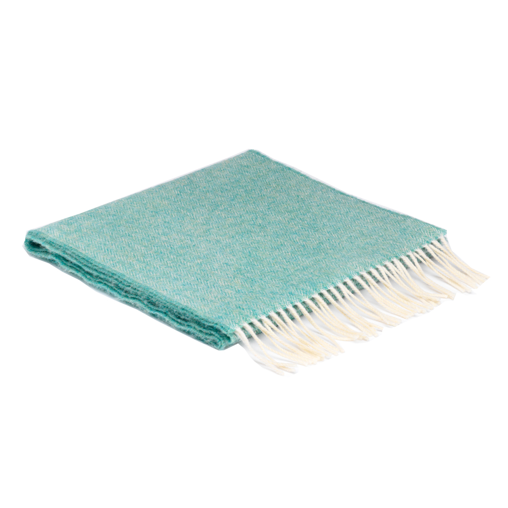 00322 McNutt scarf in box spearmint
