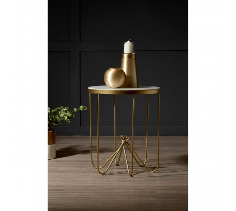00814 Tall gold candle holder