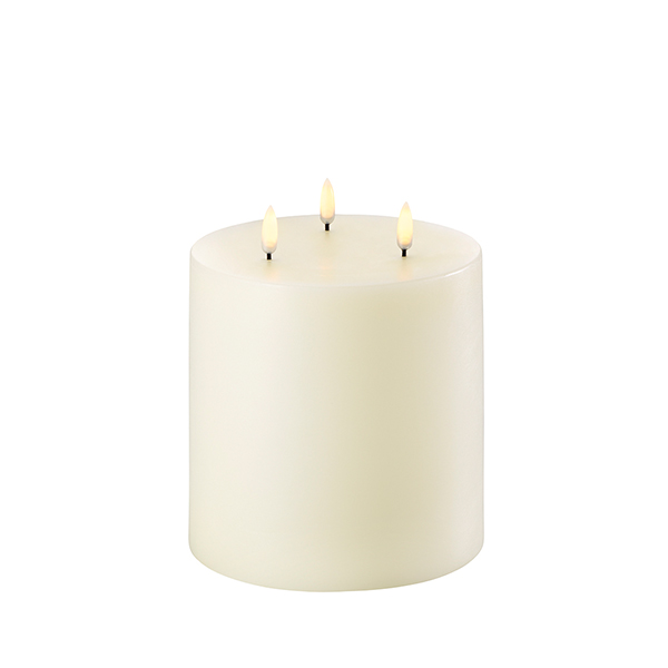 1647 Uyuni Ivory three wick LED candle