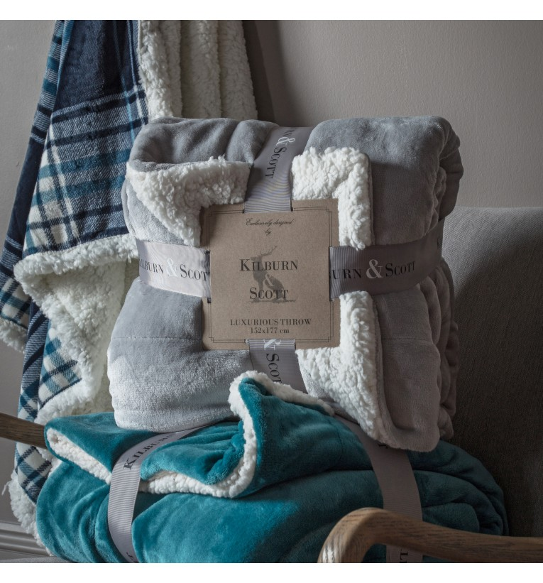00382 Light grey sherpa throw ***Special Offer***
