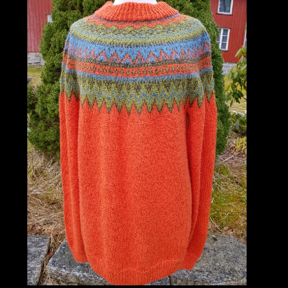 Voksen genser strL i Sandnes alpakka  VÅR