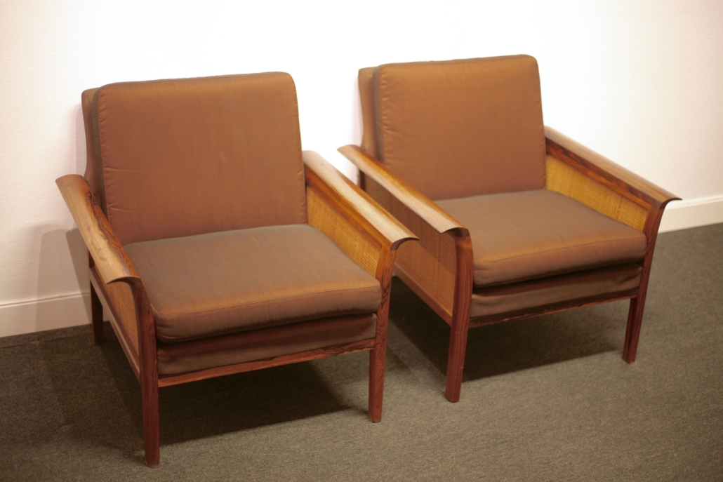 2 Rattan and rosewood lounge chairs by Hans Olsen for Vatne