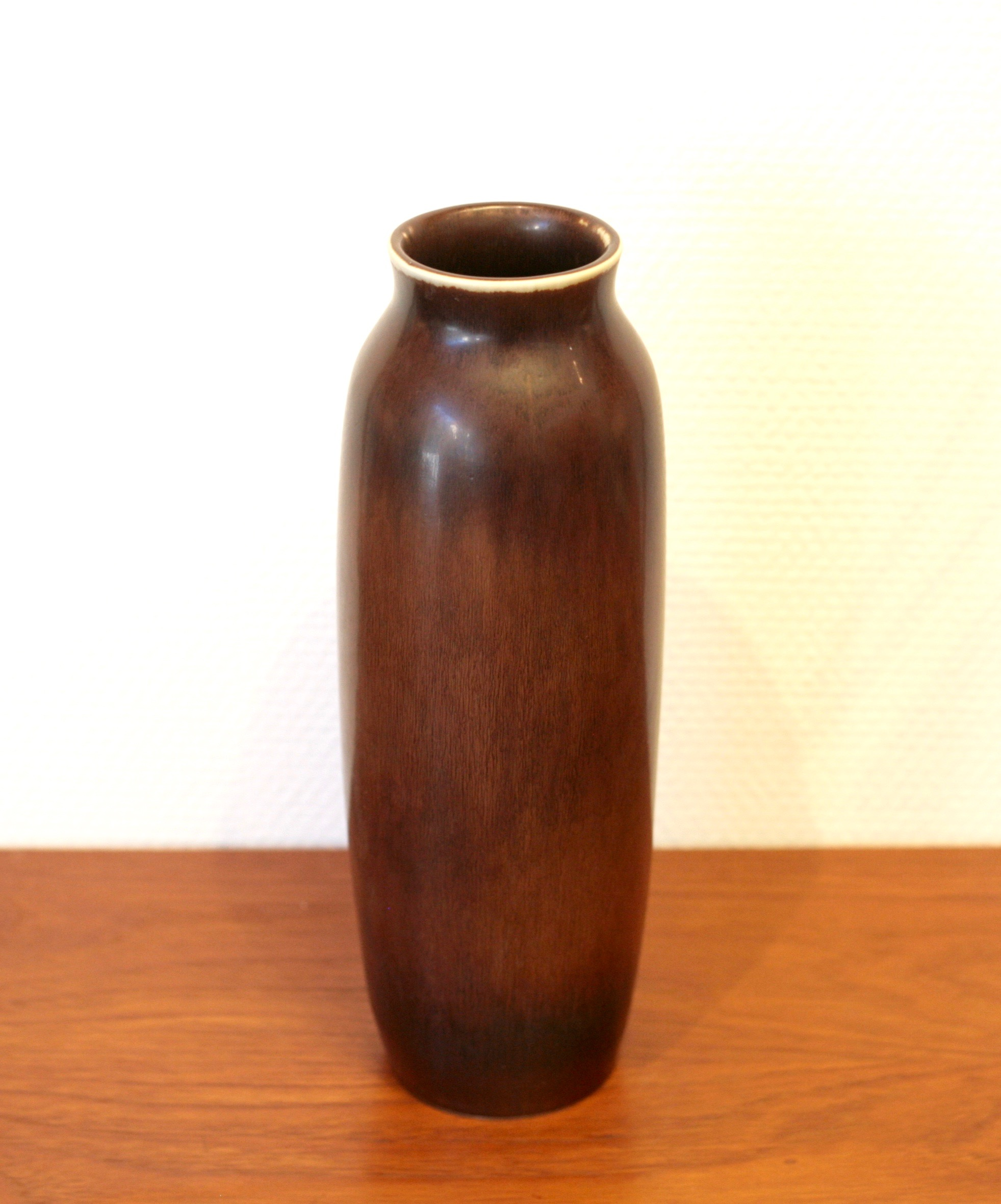 Large stoneware vase by Carl-Harry Stålhane