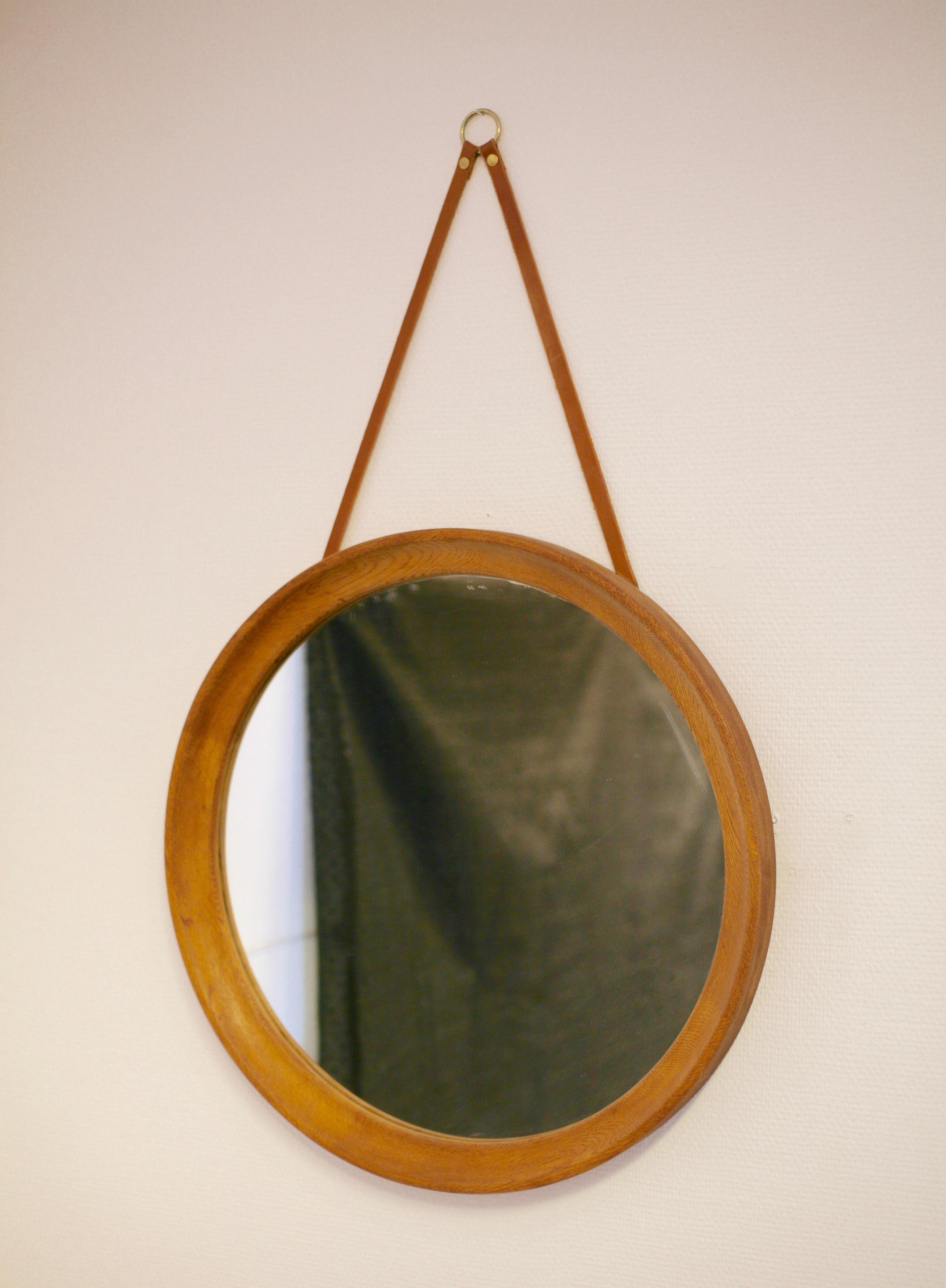 Oak mirror by Uno & Östen Kristiansson, Vittsjö, Sweden