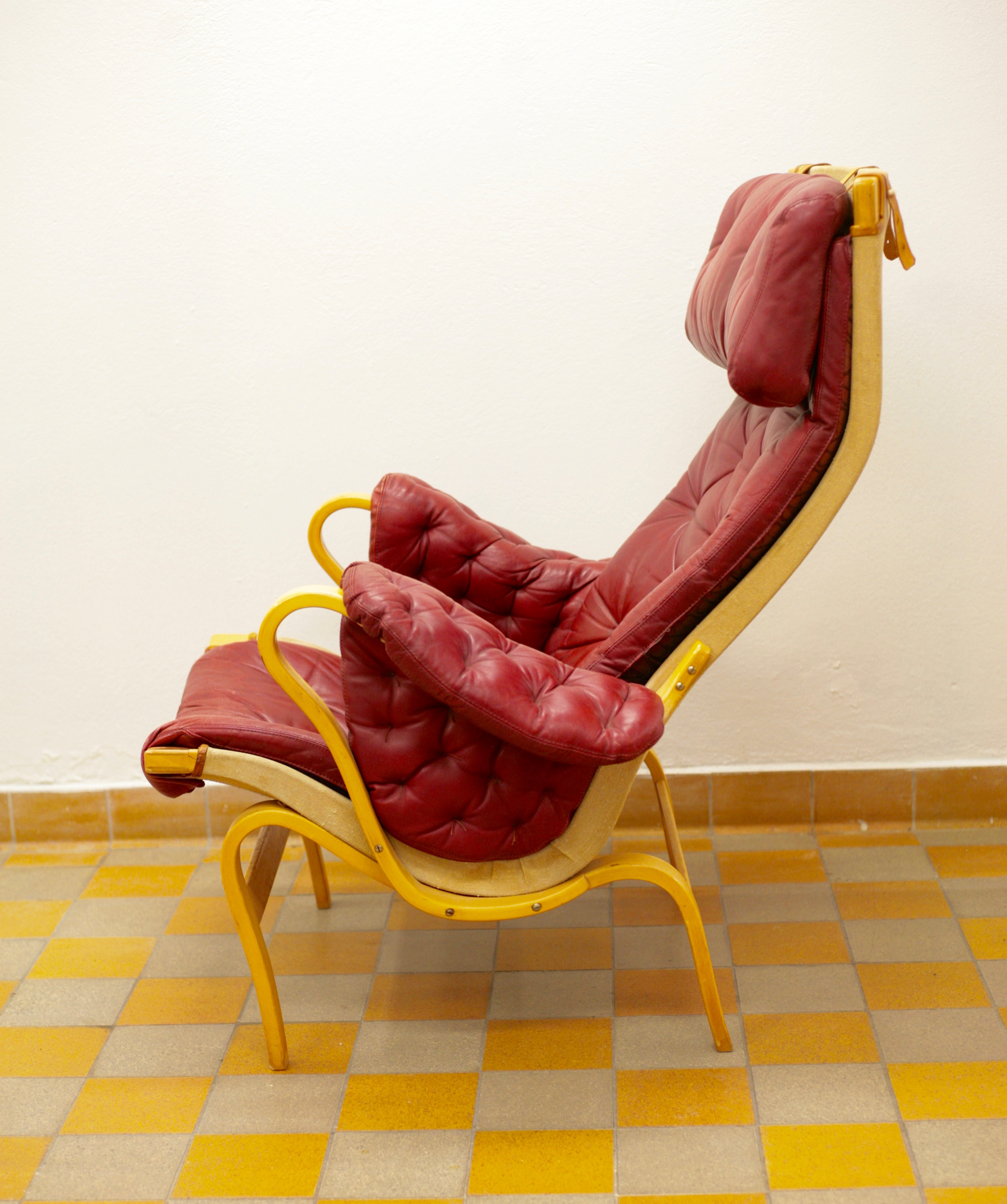 Pernilla 69 arm chair by Bruno Mathsson