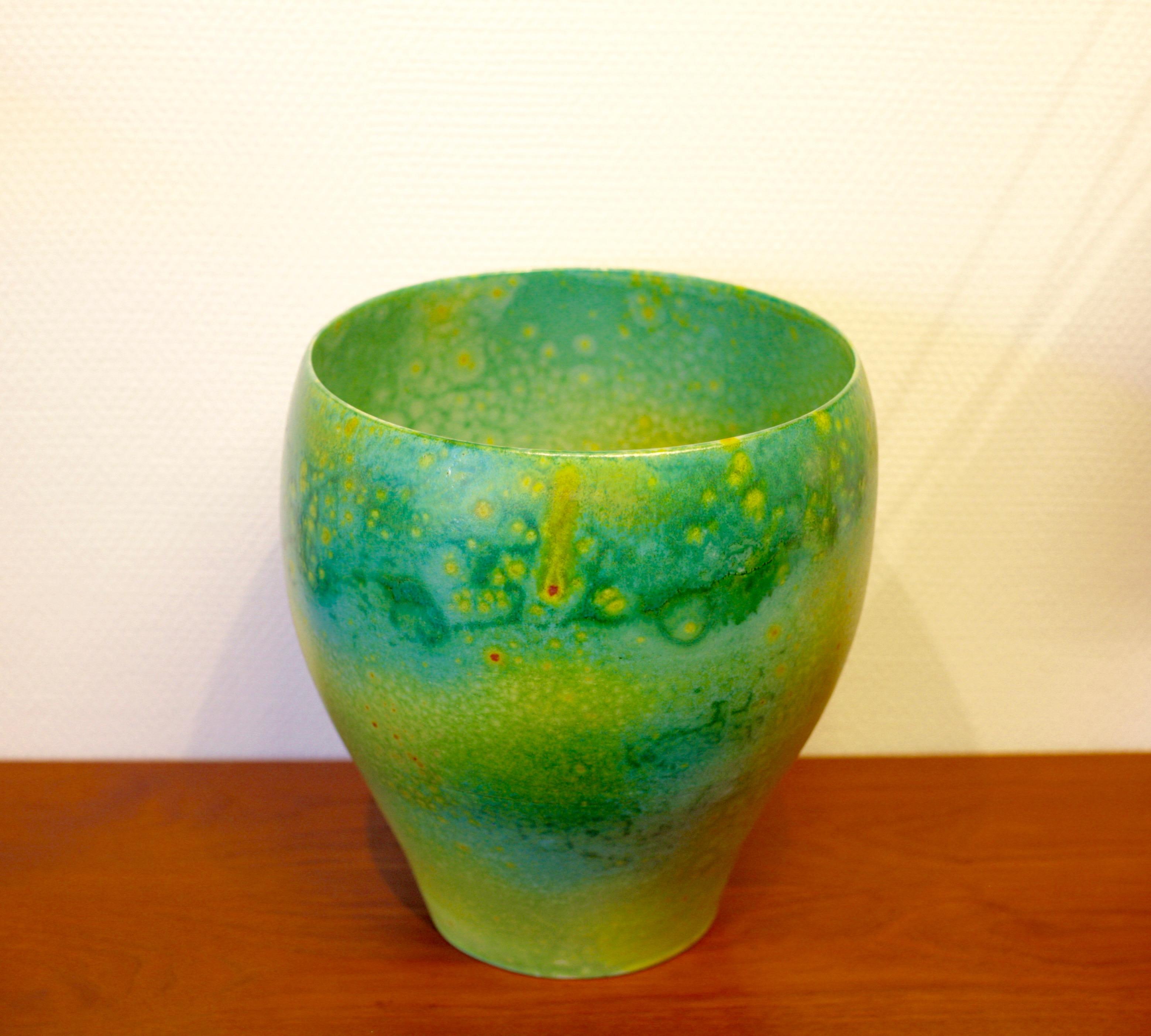 Large porcelain bowl by Per Hammarström