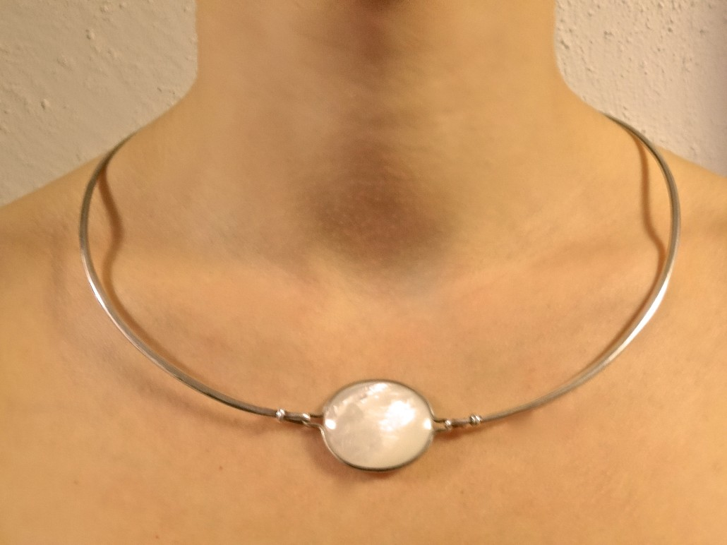 Neck ring with Mother of pearl by Torun Bülow Hübe