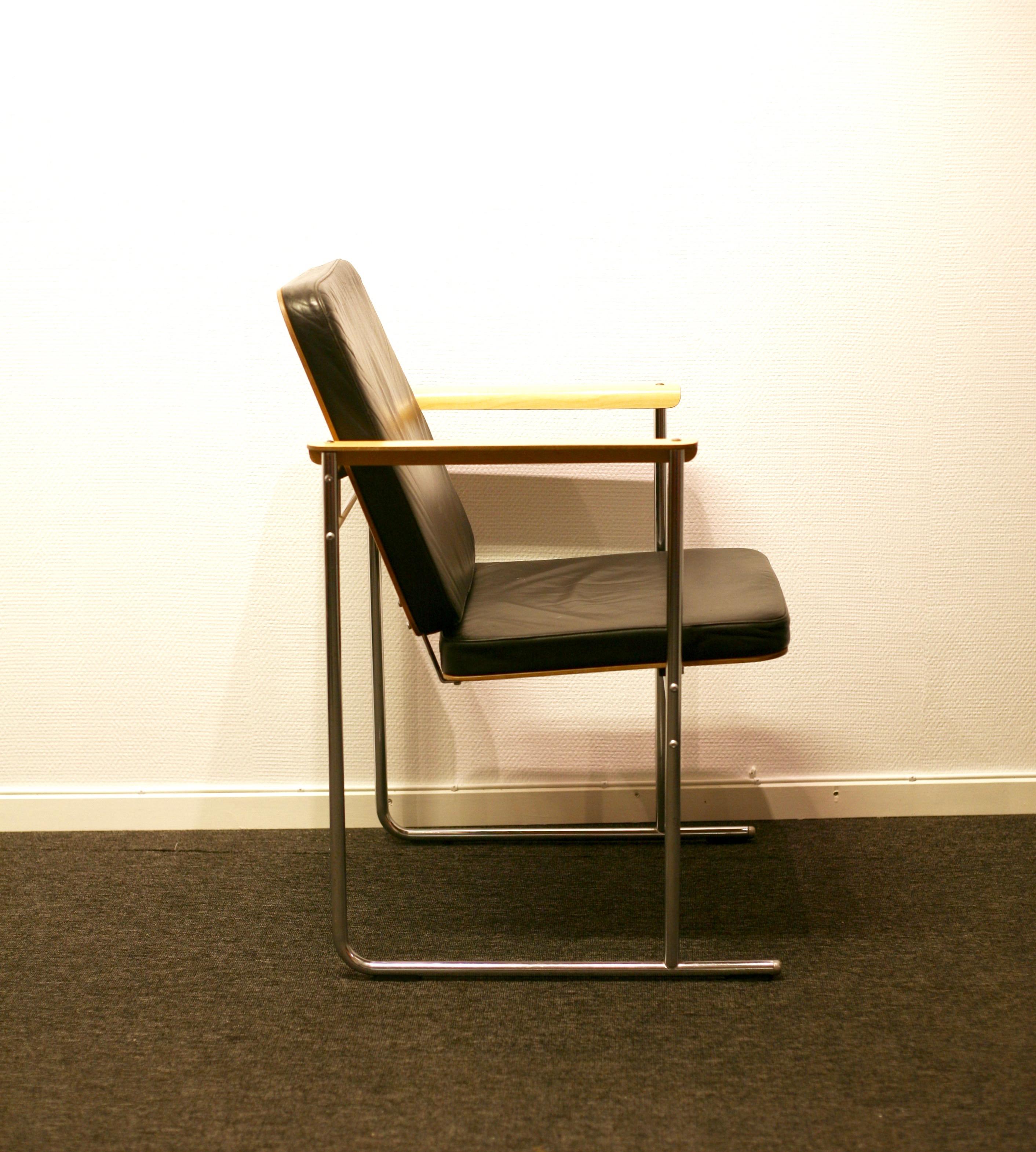 2 Skaala chairs by Yrjö Kukkapuro for Avarte