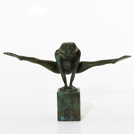 Bronze sculpture - Look at my legs