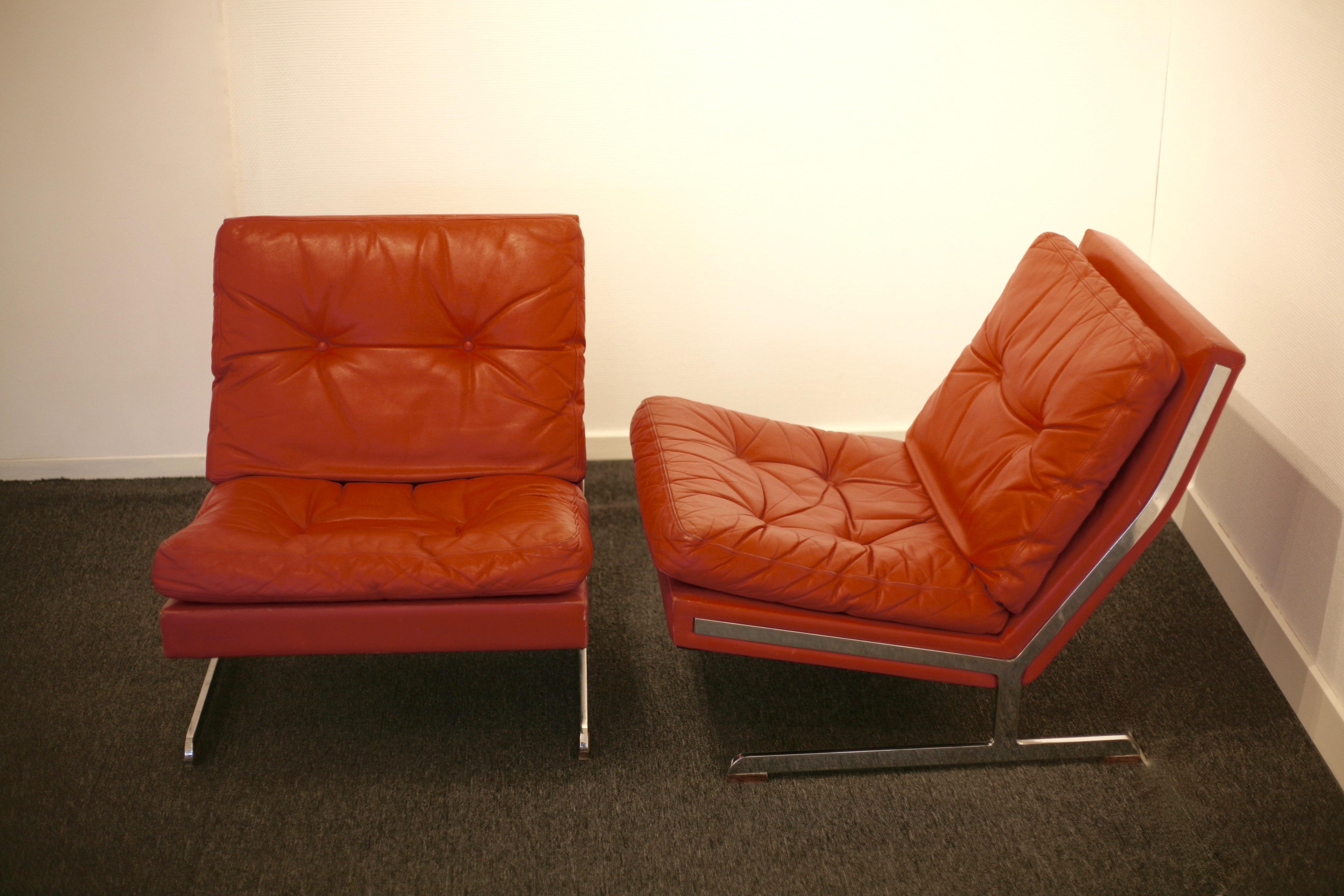 2 lounge chairs, 602-series by Poul Nörreklit.