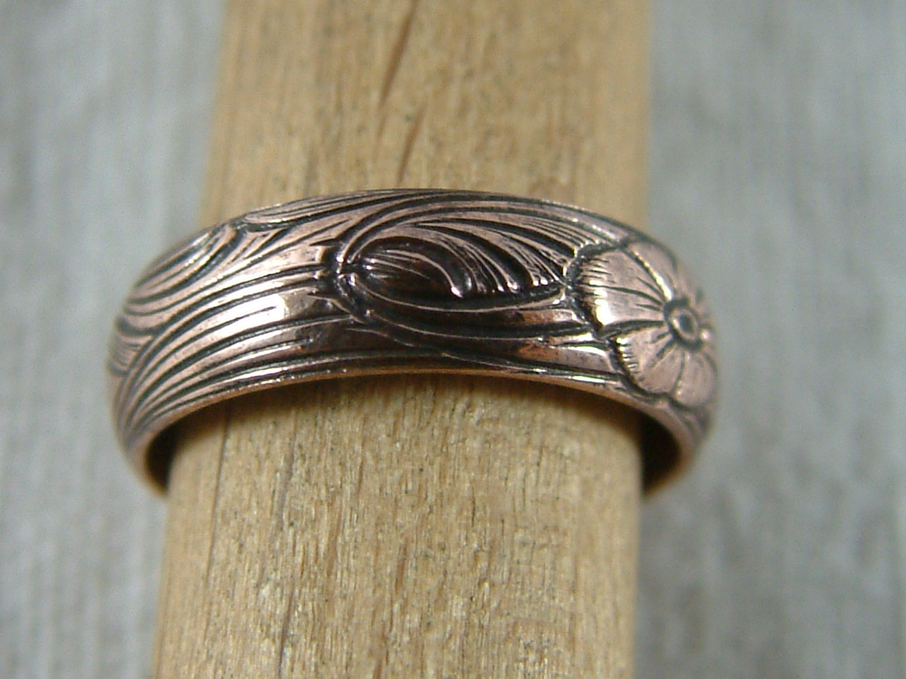 Ring Ornament 8