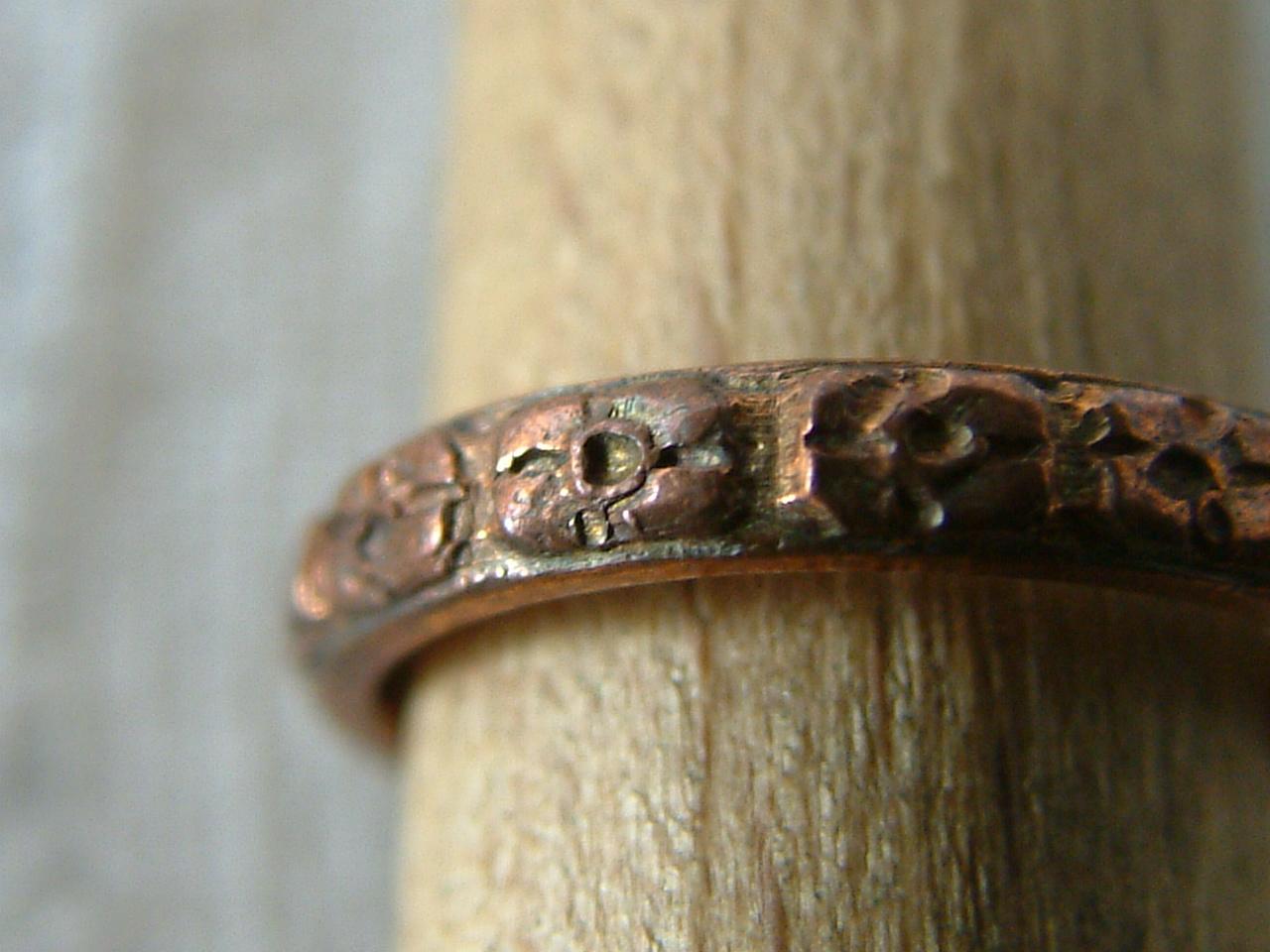 Ring Ornament 1