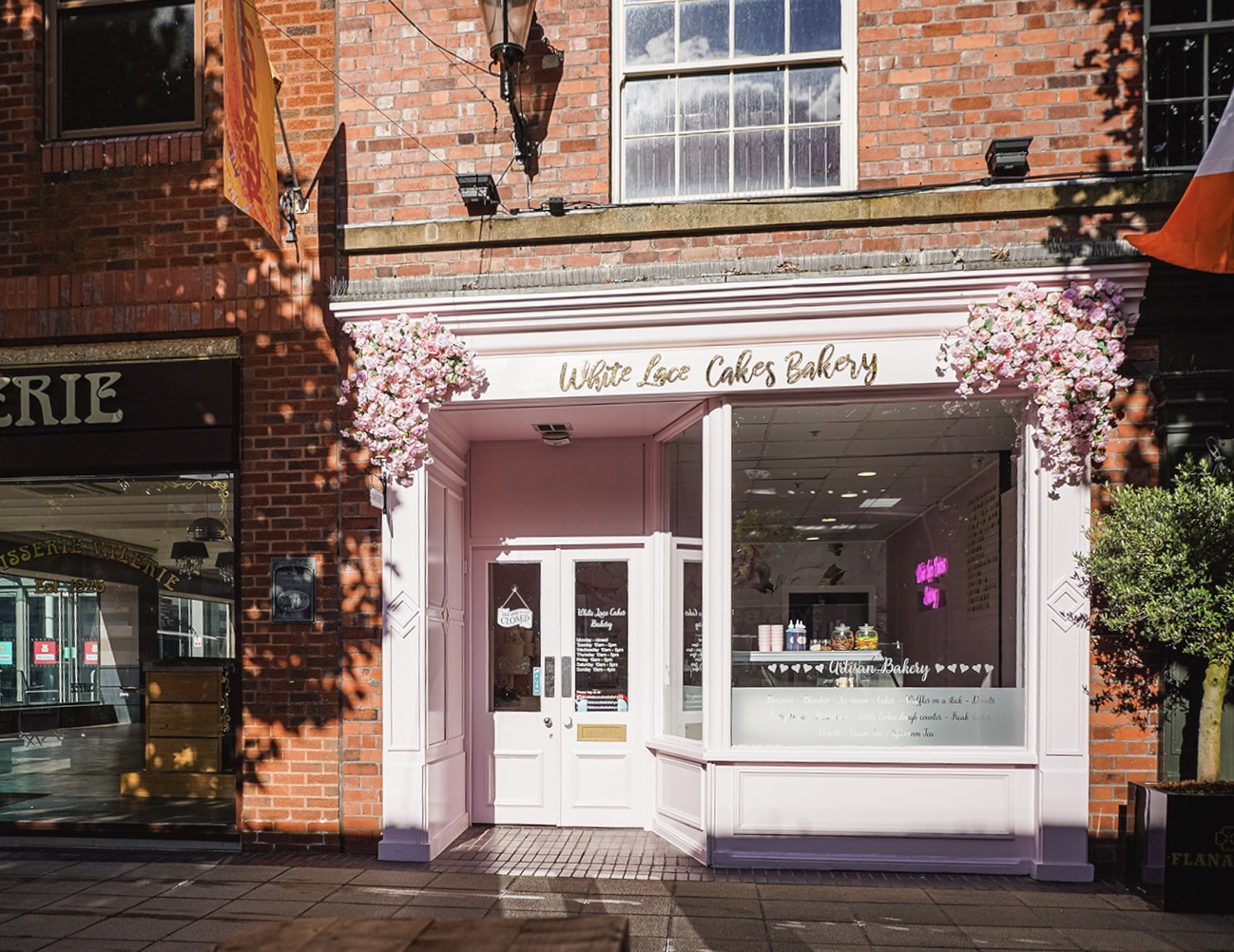 White Lace Cakes Bakery