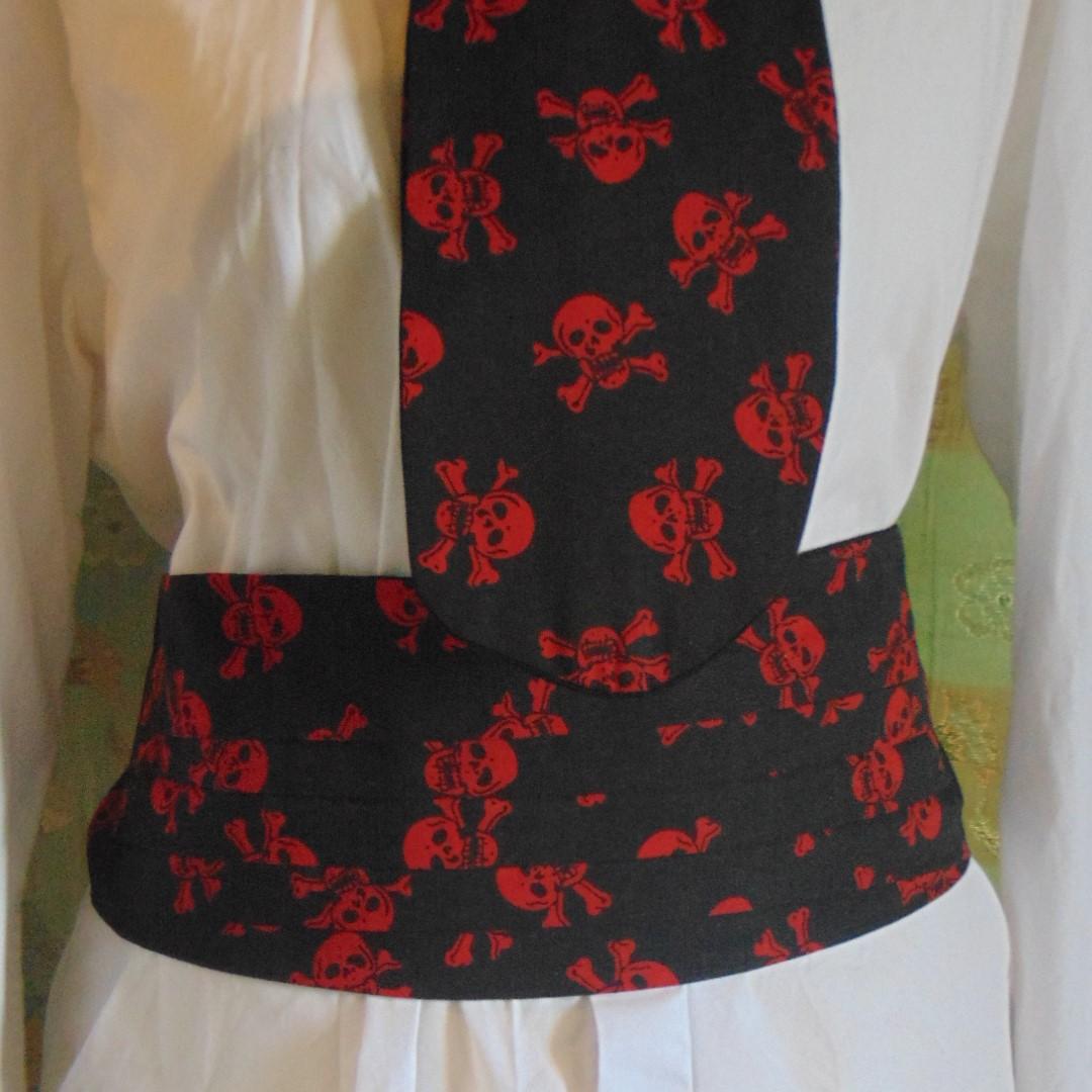Cravat & Cummerbund Set - Black and Red Skull & Crossed Bones Design