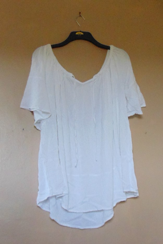 Ladies Off the Shoulder White Blouse - size 20/22