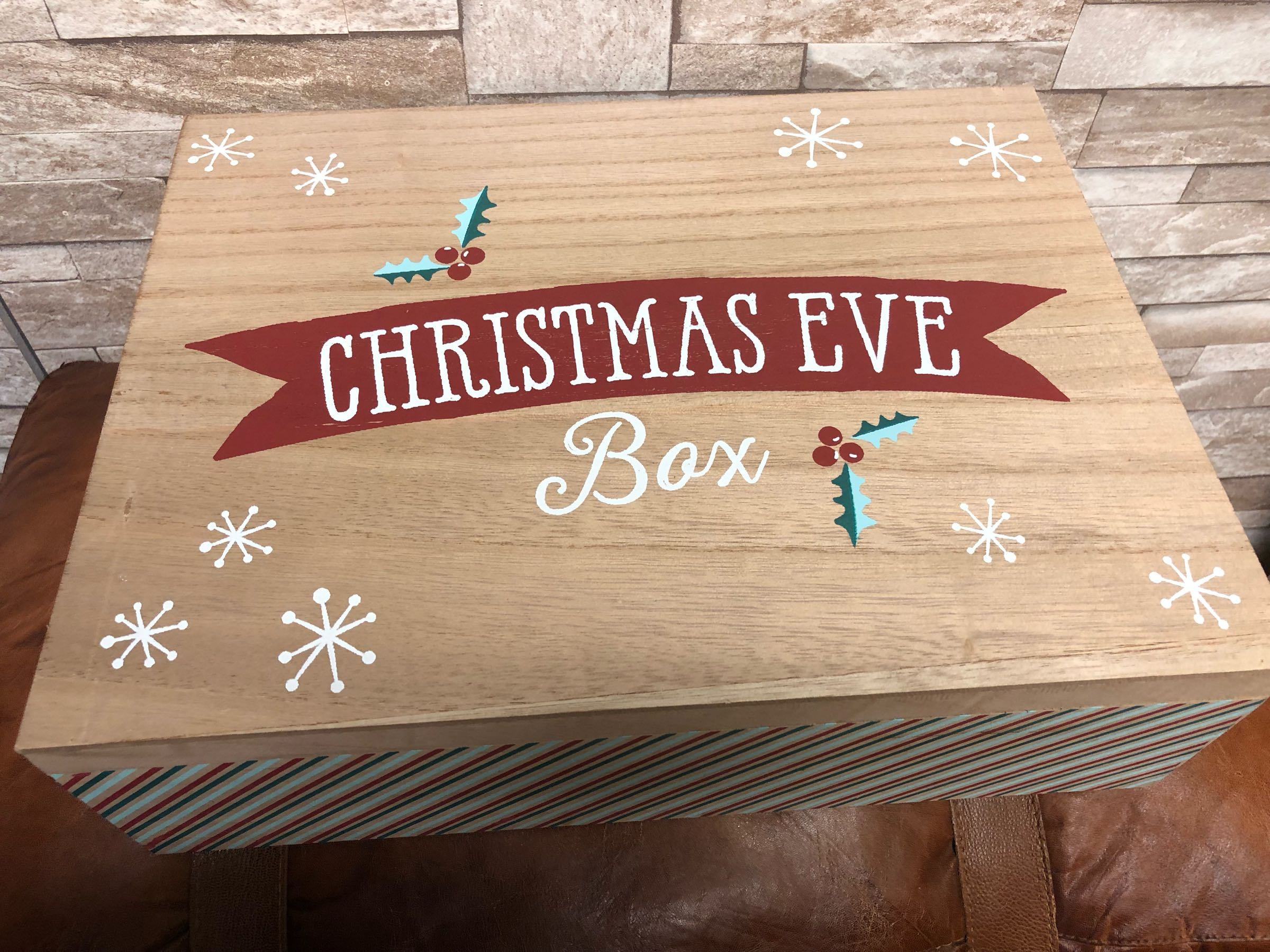 Christmas Eve hinged box  (includes personalisation)