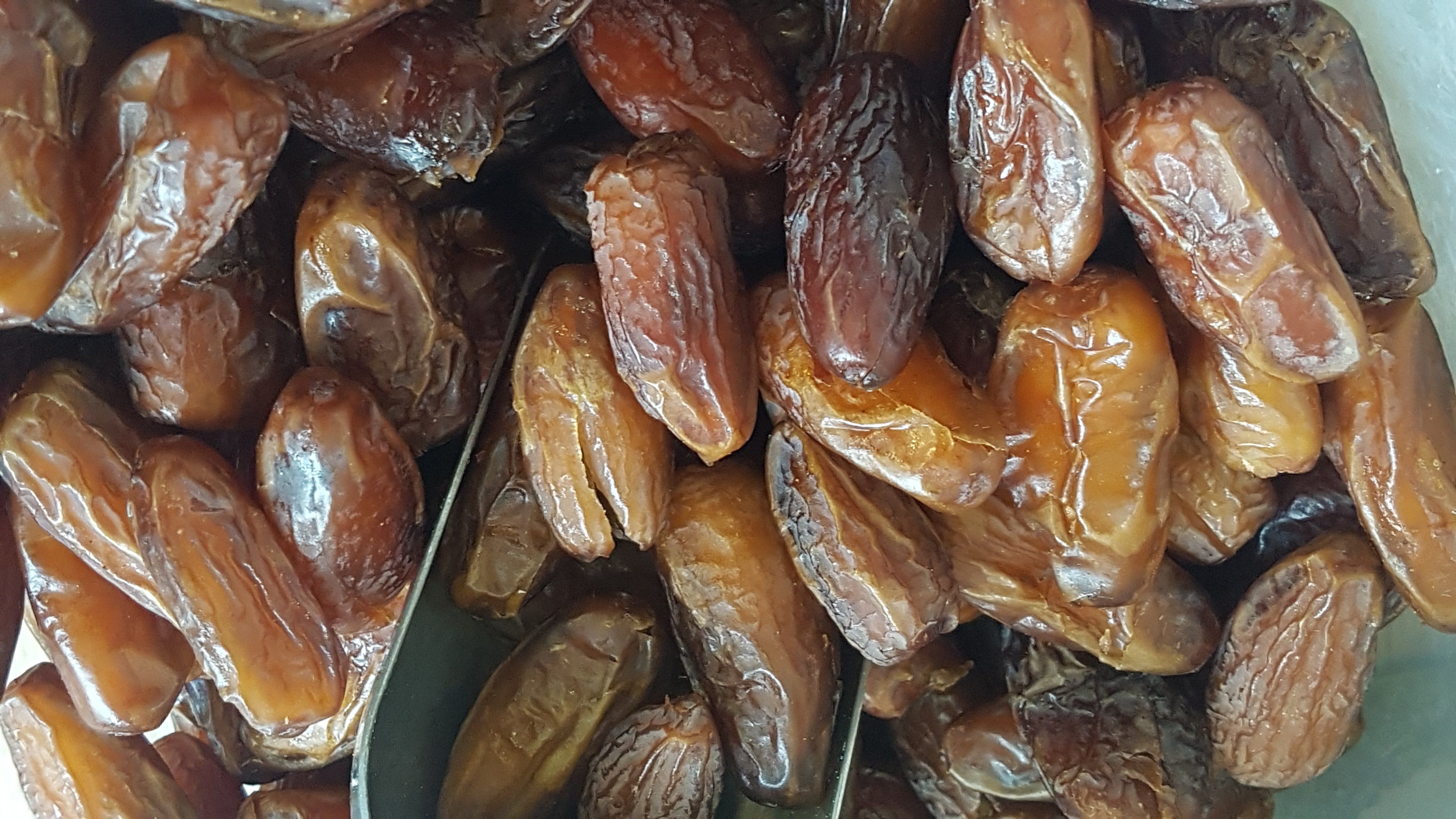 Dates - Pitted - Organic- per 100g