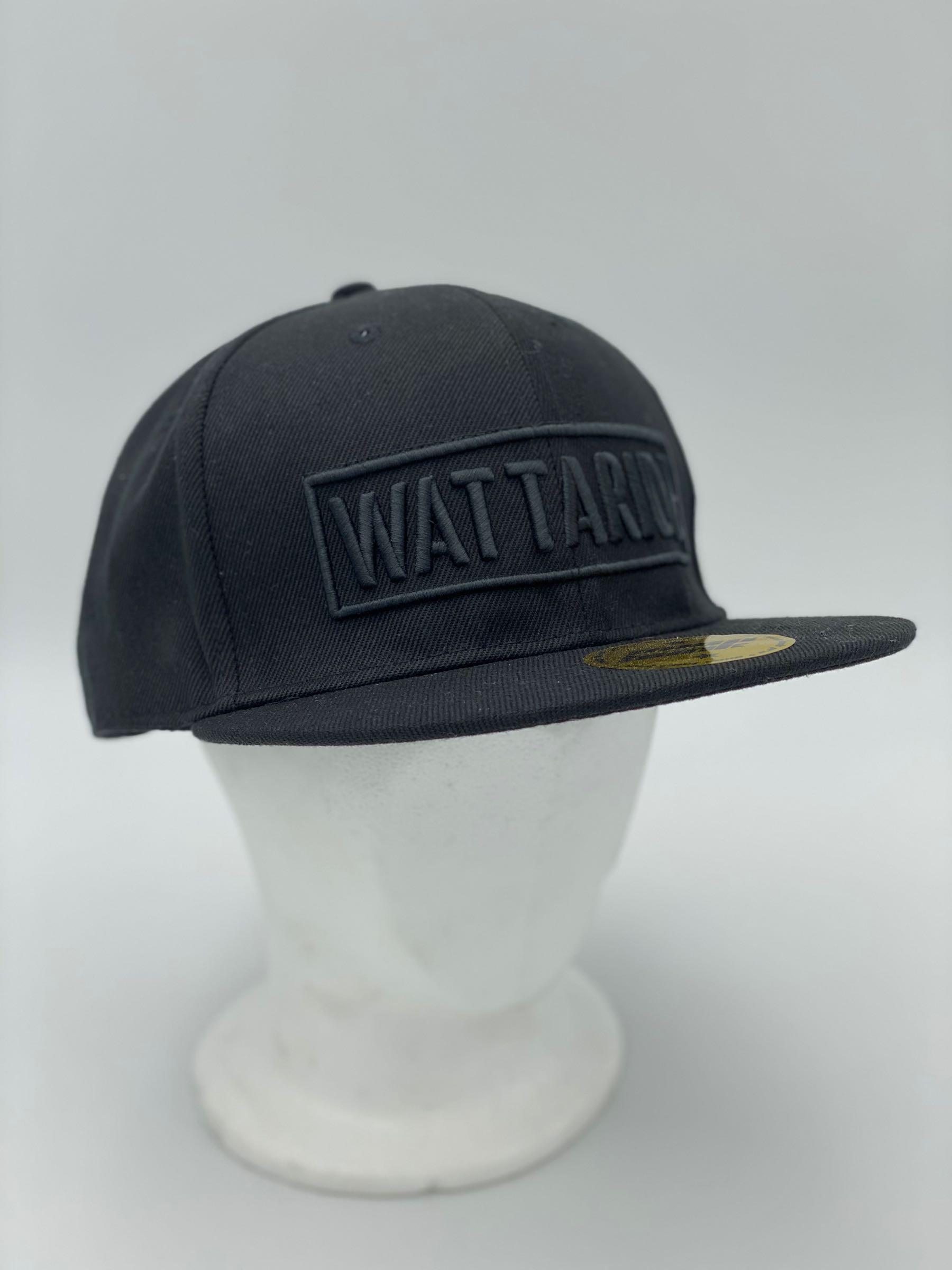 Watta cap SVART svart text