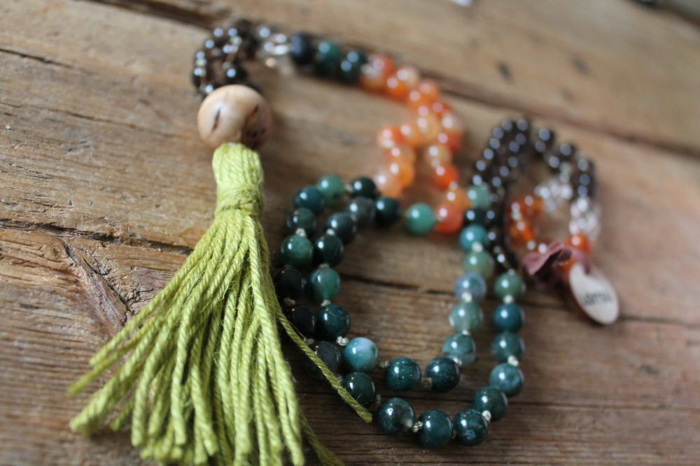Loitsunauha Luontoyhteys - Spell Necklace Nature Connection