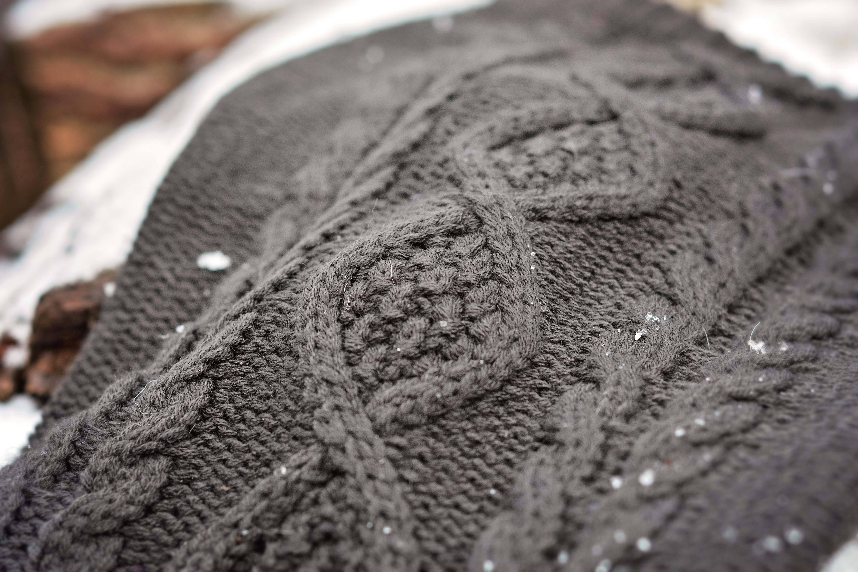 Sötnos Chunky Cable Knit Sweater
