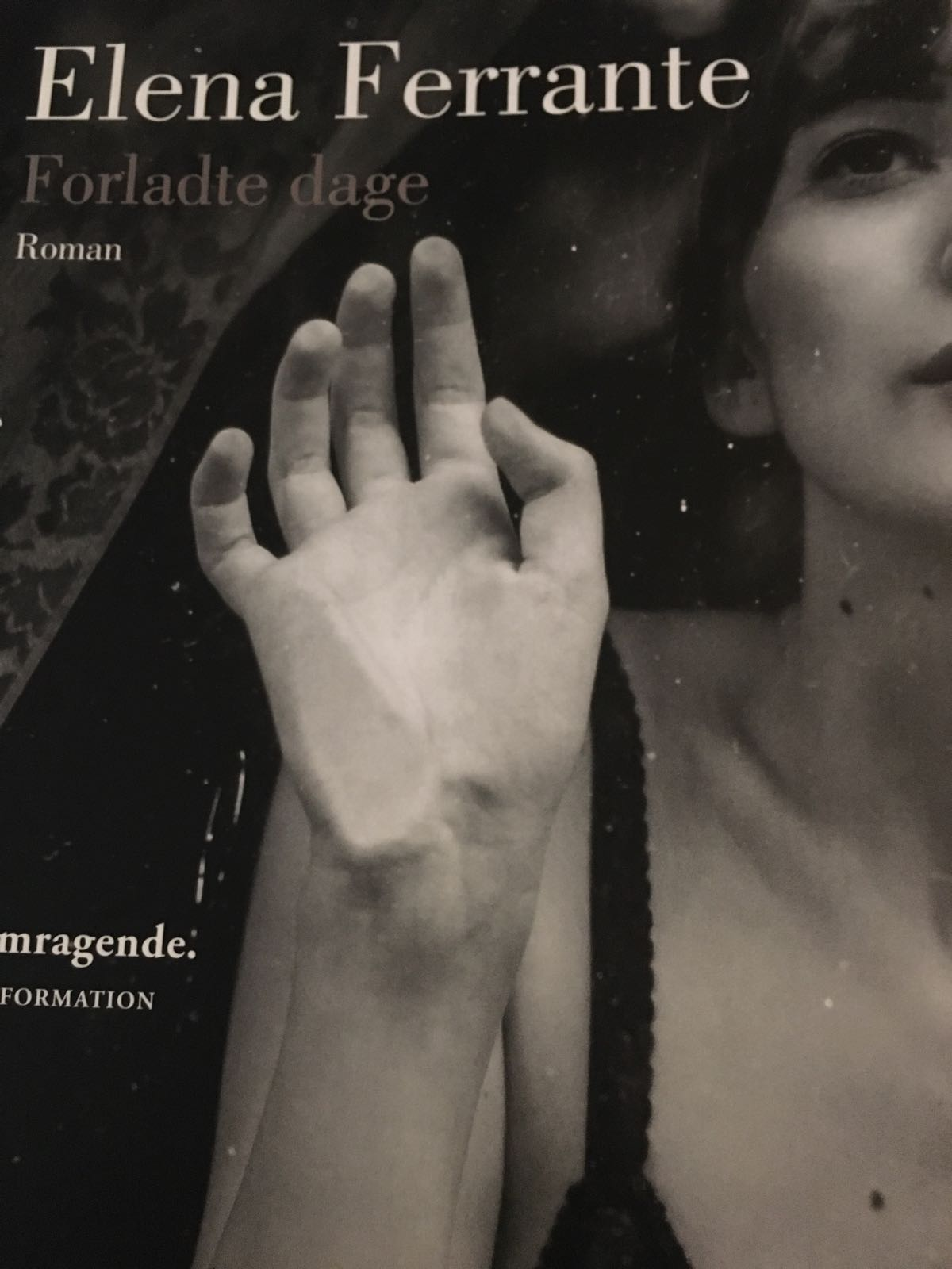 Forladte dage af Elena Ferrante
