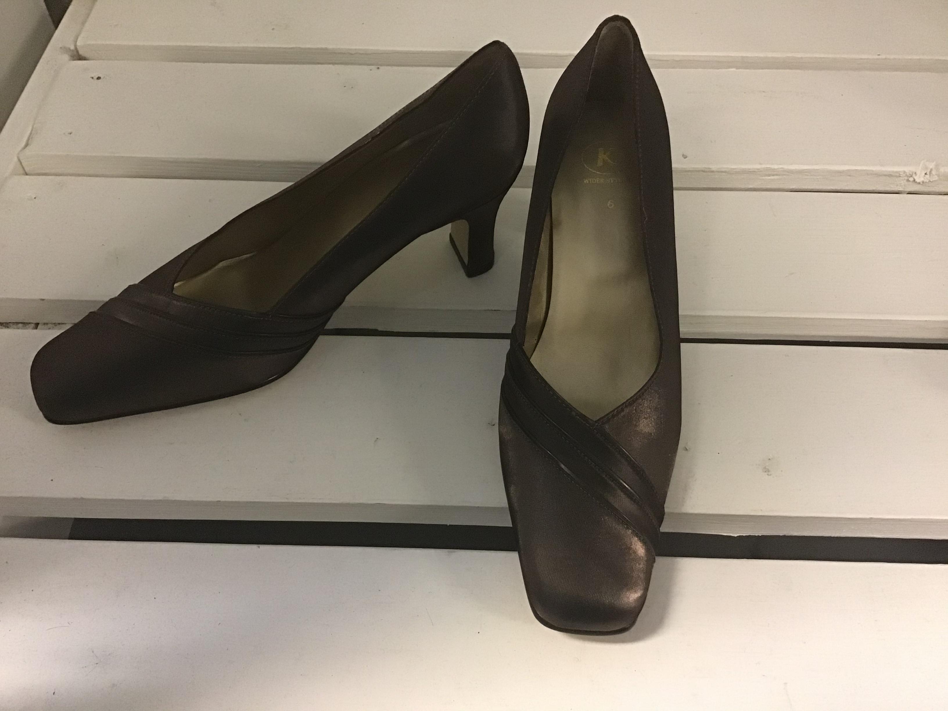 Kengät, koko 6, uudet