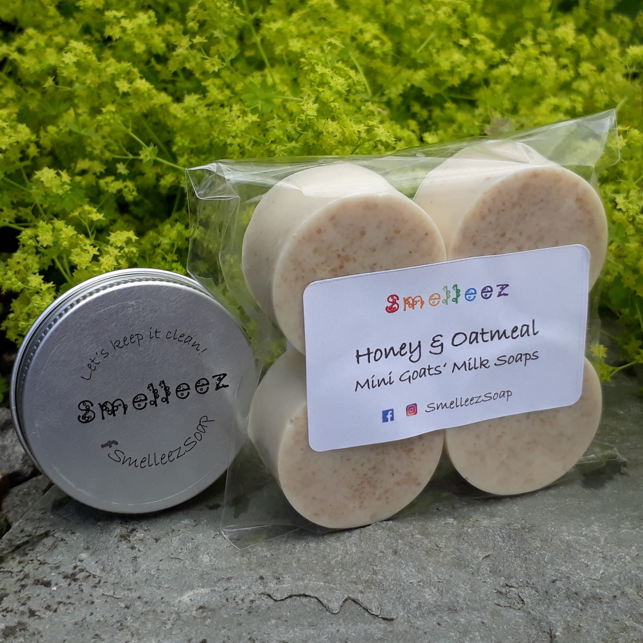 Mini Goats' Milk Soap Bars & Pocket Size Tin (Honey & Oatmeal)