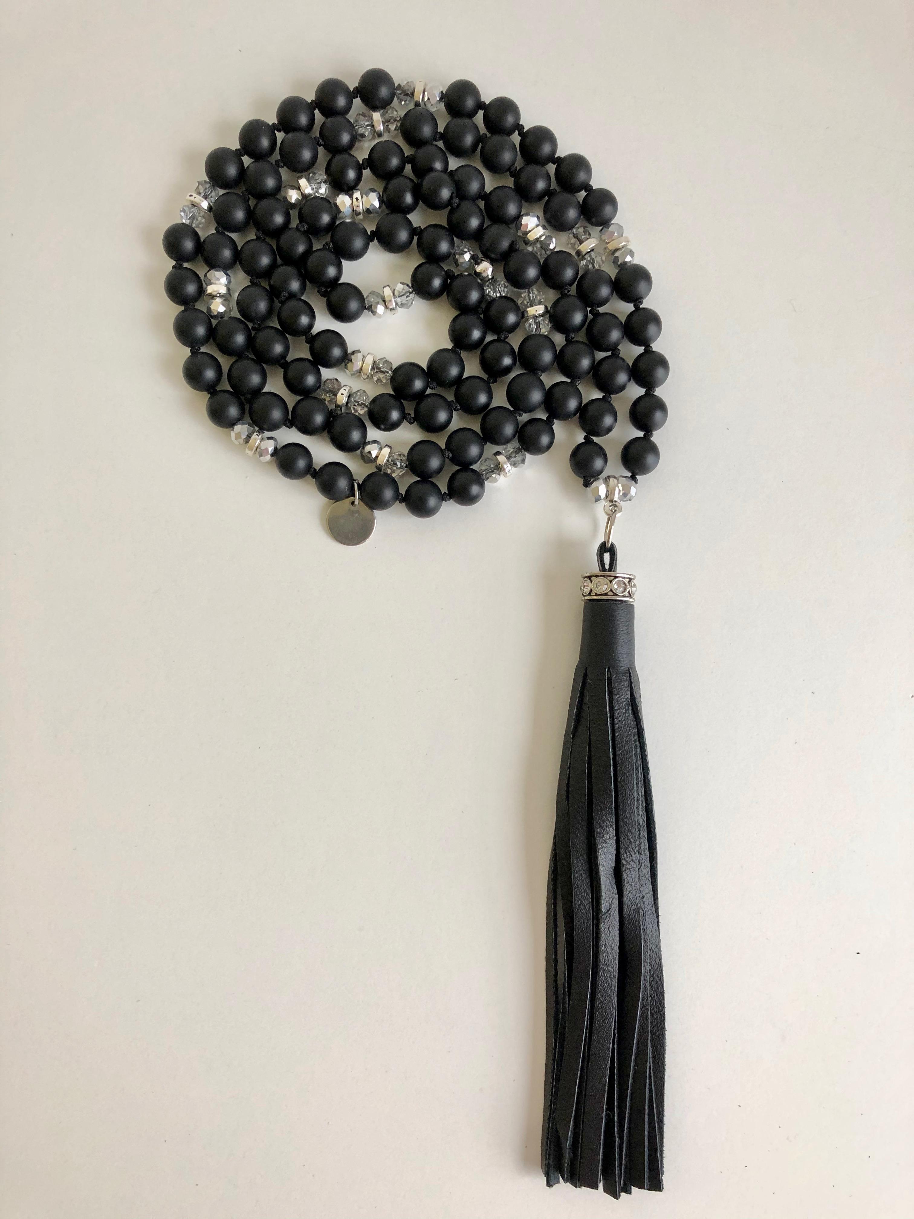 04- STRASS black tassel