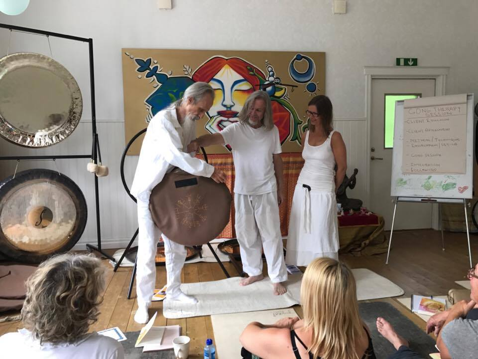 Festival Opening  - Beyond Gong (Martin Bläse)- Soundhealing Journey (Runar Halonen)  and Vegvisr Prize